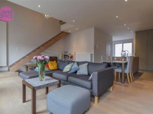 Moderne duplex met 2-slaapkamers met terras en gratis fietsenstalling,Zicht op de Leie.<br /> Ook een aparte ruimte voor droog en wasmachine is voorzi
