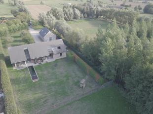 Te koop te DRONGEN : goed onderhouden, ruime, landelijke villa( architecten Bontinck) met zicht op natuurgebied met veel lichtinval.<br /> Geisoleerd