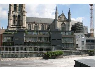 Te huur te GENT  : staanplaats gelegen in de Limburgstraat.<br /> Huurprijs : 130 euro/maand.<br /> Onmiddellijk vrij.