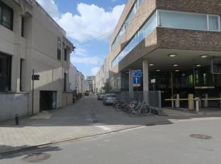 Te koop te GENT, Ramen : ondergrondse staanplaats in recent gebouw met auto-lift.<br /> Alle info op kantoor., tel. : 09/233 28 28.