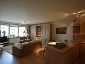 Dit gemeubeld appartement is uitstekend gelegen in het hartje van Gent, met zicht op het Sint-Michielsplein, op wandelafstand van Korenmarkt, het hist