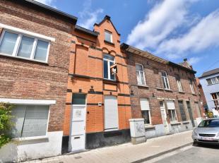 Deze karaktervolle woning met 4 slaapkamers is gelegen in Ledeberg op enkele minuten van Gent-Zuid, vele winkels en met heel vlotte bereikbaarheid naa