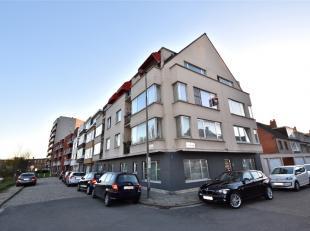Dit hoekappartement (80m²) met uitstekende en bovendien uiterst rustige ligging bevindt zich vlakbij de Gentse Kinepolis en directe aansluiting m