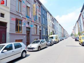 Gent - Eendrachtstraat 170: Prachtig gerenoveerd herenhuis met 3 slaapkamers in de wijk Macharius dichtbij dampoortstation. Omvat: Inkomhal, op de ben