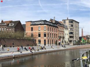 GENT  - Bisdomkaai: Op zoek naar een gerenoveerde hoekwoning te huur in Gent? Dan is dit pand mogelijk iets voor u.<br /> De belangrijkste troeven in
