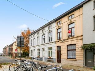 GENT -  Op zoek naar een gedeeltelijk te renoveren woning te koop in Gent vlakbij Gent? Dan is dit pand misschien iets voor u.<br /> De belangrijkste