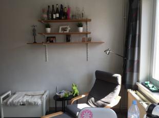 Enkel voor studenten<br /> Studentenkamer met eigen keuken en toilet.<br /> De kamer is gemeubeld (bed, bureau, bureaustoel en kleerkast).<br /> 3-maa