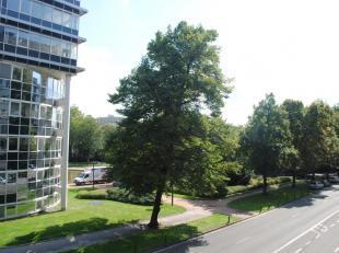 Lichtrijk, INSTAPKLAAR, energiezuinig 2 slaapkamer-appartement gelegen op de 2e verdieping met uitzicht op het Zuidpark.<br /> Appartement bestaande u