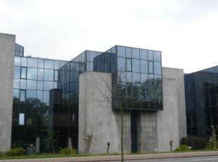 Kantoorruimtes in modern gebouw te huur in Gent, bij het technologiepark van Zwijnaarde, aan E40/E17. Gelegen bij het High-tech industrieel park van G