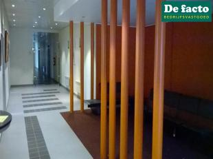 Kantoor met een opp. van 53 m² te huur in Zwijnaarde (Gent), met een zeer goede bereikbaarheid via de E40 (Oostende Brussel).<br /> Kantoorruimte
