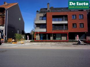 Winkelpand / praktijkruimte / kantoor te huur (+- 173 m²) te huur in Gent, zeer vlot bereikbaar, vlakbij de E17Benutbare opp: 173 m²- 2 aanp