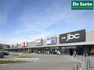 Verhuurd commercieel vastgoed. - discreet aanbod<br /> +- 6% rendement<br /> VP: 650.000 euro<br /> Foto ter illustratie
