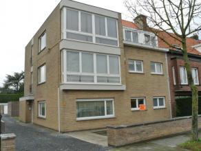 TE HUUR TE GENTBRUGGE : Jan Van Aelbroecklaan 9 (residentiële ligging, vlakbij openbaar vervoer, winkels en E17/E40). Mooi ruim INSTAPKLAAR appar