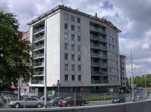 GENT, H. Frère Orbanlaan 660 ( vlakbij Zuidpark ) Topligging ( vlakbij openbaar vervoer,winkels en E17/E40 ) . Mooi recent instapklaar appartem