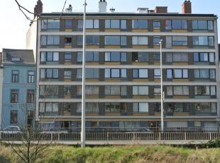 TE KOOP TE Gent, Keizervest 66 Residentie Cézanne. Zeer goede ligging : vlakbij winkels ( Zuid ) ,openbaar vervoer en E17/E40. Residentieel. Ru
