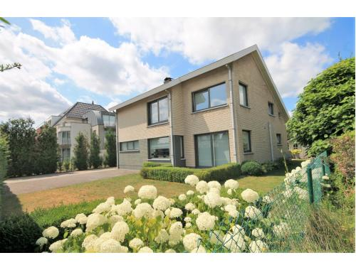 Appartementsgebouw te koop in Lochristi, € 539.000