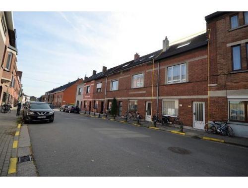 Maison à vendre à Sint-Amandsberg, € 199.000