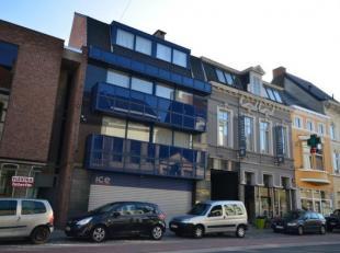 Prachtig stijlvol appartement (2 slaapkamers) met open woongevoel in het centrum van Sint-Amandsberg met heel leuk zonnig relax terrasje en balkon voo