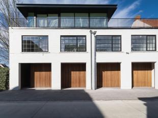 Kom wonen of werken in een architecturaal pareltje!<br /> Deze multifunctionele ruimte is ideaal te gebruiken als kantoor, een toonzaal en/of een geli