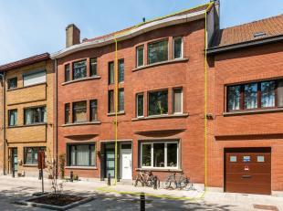Ruime, goed gelegen woning met 6 slaapkamers;  reeds  verhuurd, zonnetuin. Deze woning is gelegen in een onlangs aangelegde  groene omgeving,  zonder