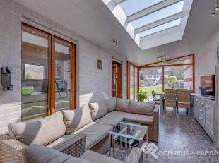 Bel naar Karin voor een afspraak: 0468/12 68 62<br /> Dit prachtig staaltje architectuur vinden we in de Gaverstraat 130A in Geraardsbergen, in de onm