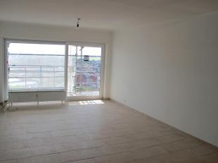 Volledig gerenoveerd appartement met centrale ligging, vlakbij Berchem Station, openbaar vervoer, autostrade, ringfietspad,...<br />  Het appartement