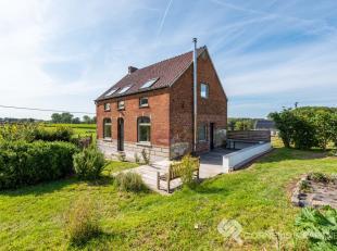 Bel naar Karin voor een afspraak: 0468/12 68 62<br /> Deze woning vinden we in Gelategem 14 te Geraardsbergen, in het hartje van de Vlaamse Ardennen H