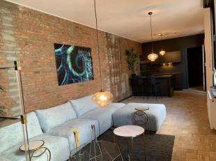 Bel Nico op 0474/29.40.13 voor bijkomende inlichtingen of een bezoek ter plaatse!<br /> Dit twee slaapkamer appartement (112m2)  is gelegen op de derd