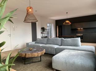 Bel Nico op 0474/29.40.13 voor bijkomende inlichtingen of een bezoek ter plaatse!<br /> Deze penthouse met twee slaapkamers (105m2) is gelegen op de v