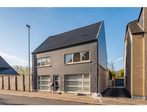 Maison à vendre à Moerbeke, € 298.000