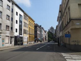 Deze opbrengsteigendom bestaat uit 4 nieuwe entiteiten en is gelegen in het centrum van Gent, vlakbij Sint-Anna en Gent-Zuid.  De residentie omvat een