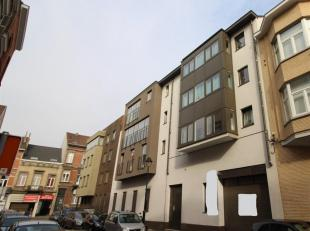 Warehouse 240m² with small office space and 6 parkings. Rented for 950euro/month