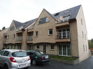 Zeer mooi gelegen recente residentie recht tegenover het Provinciaal domein Den Blakken.<br /> Dit duplex appartement is gelegen op tweede en derde ve
