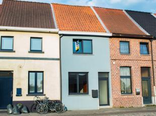 Te Sint-Niklaas zoeken wij voor deze woning als het ware een handige Harry die weet wat werken is en graag woningen met potentieel renoveert. De wonin