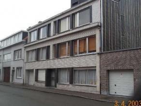 Garagebox nr. 15 gelegen Peter Benoitstraat 33-35. Vrij: 01/11/2017 euro 50