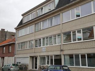 Dit appartement is gelegen aan de rand van Sint-Niklaas en geniet van een rustige ligging alsook een goede bereikbaarheid en veel parkeergelegenheid i