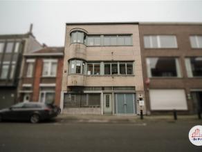 Ruim, centraal gelegen kantoorgebouw vlakbij het station van Sint-Niklaas. Het gebouw omvat verschillende kantoren, vergaderzalen en polyvalente ruimt