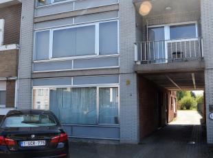 Zeer gerieflijk appartement met 2 slaapkamers en garagebox.<br /> Indeling: living, aparte keuken, badkamer met ligbad, apart toilet, berging, 2 slaap