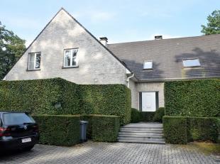 Woning op het centrum van de Heide met terras en aangelegde privétuin. <br /> Indeling: ruime living met aanpalend terras en tuin, ingerichte k