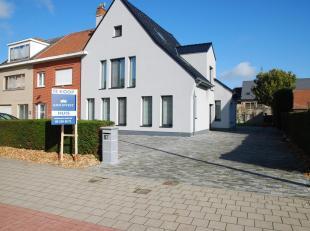 Deze volledig gerenoveerde woning is gelegen nabij het station van Kwatrecht, op een perceel van 665m² en met een bewoonbare oppervlakte van 290m