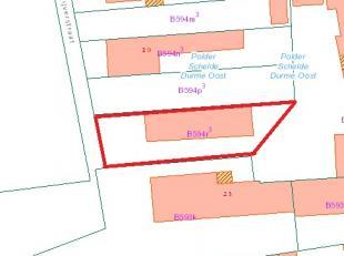 Dendermonde, VijverstraatProjectgrond met mogelijkheid tot bouwen 3 appartement + 2 garages.Rustig gelegen projectgrond (actueel bebouwd met garagecom