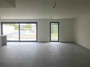 Instapklaar nieuwbouw appartement te centrum Sint-Gillis Dendermonde. Perfect zuid georienteerd en een totale oppervlakte van 144 m², en tuin van