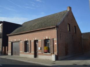 deze te renoveren woning heeft momenteel volgende indelingdroge kelderruimtegelijkvloers leefruimte met haard
