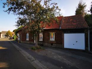 Wij bieden deze rustieke woning aan te Nieuwerkerken,Indeling :Gelijkvloers: inkomhall, ruime woonkamer, ingerichte keuken, 2 slaapkamers, ingerichte
