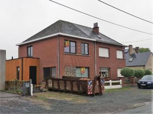 Deze woning situeert zich in een rustige straat te Baasrode (Dendermonde) en is als volgt ingedeeld:Gelijkvloers: inkom, berging cv, traphal, keuken,