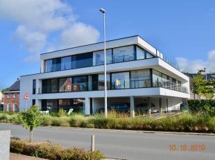 In residentie Cape Point ligt dit nieuwbouwappartement met hoogwaardige afwerking.<br /> <br /> Het appartement bestaat uit een inkomhal, woonkamer me