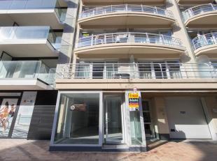 Winkel/kantoor te huur met een gelijkvloerse oppervlakte van ca. 85 m². Dit pand is gelegen in het volle centrum van Nieuwpoort op de belangrijks