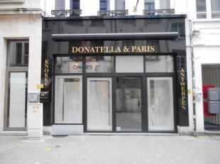 Prachtig handelspand te huur in het centrum van Antwerpen (één van de winkelwandelstraten van de 'Wilde Zee'). De gelijkvloerse oppervla