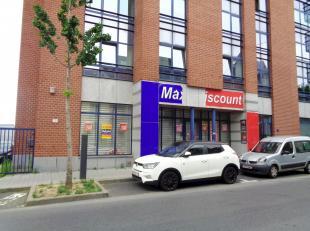 Investeringseigendom te koop, gelegen te La Louvière; <br /> Dit pand heeft een gelijkvloerse oppervlakte van ca. 311 m² en een terreinopp
