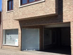 Kantoor met wachtzaal te huur, in het centrum van Halle. <br /> Dit pand heeft een gelijkvloerse oppervlakte van ca. 25 m², bestaande uit vier ru